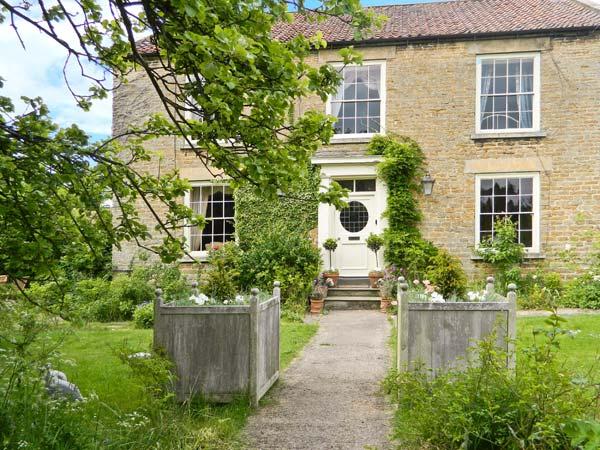 Manor Farm Family Cottage, Hutton Buscel, North York Moors & Coast (Ref 15822),Scarborough