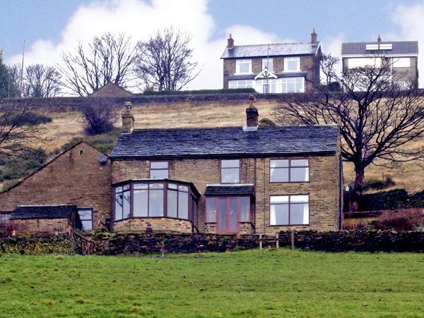 Brow Farm Pet-Friendly Cottage, New Mills, Peak District (Ref 2774),New Mills