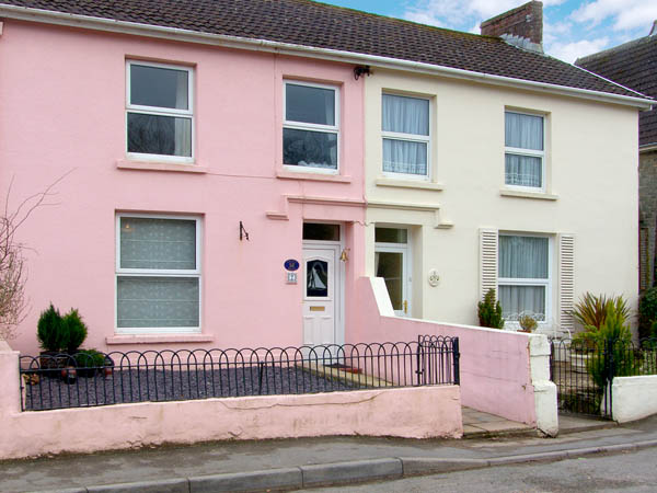 Crusty Hills Coastal Cottage, Ferryside, South Wales (Ref 2900),Carmarthen