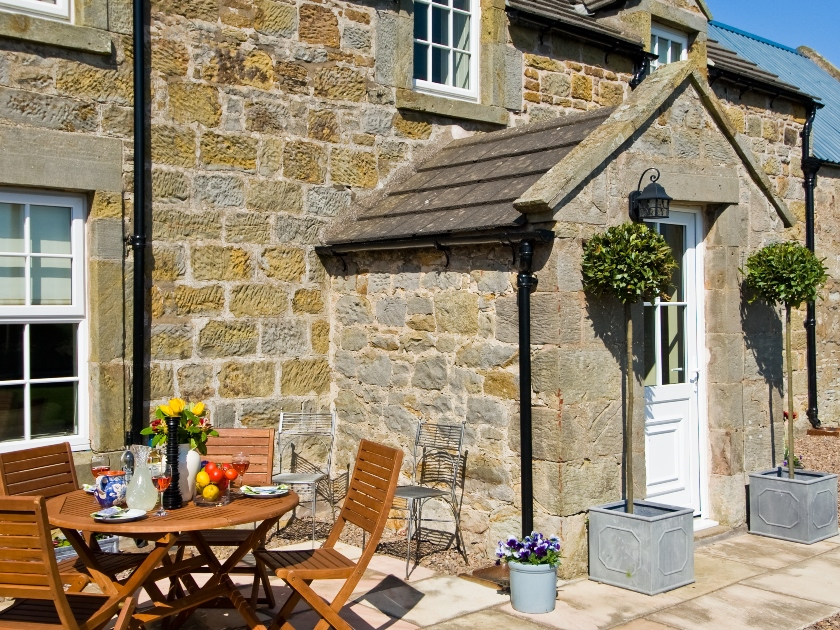 Holiday cottage with garden in Northumberland