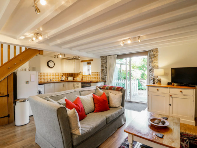991230 Sykes Holiday Cottages
