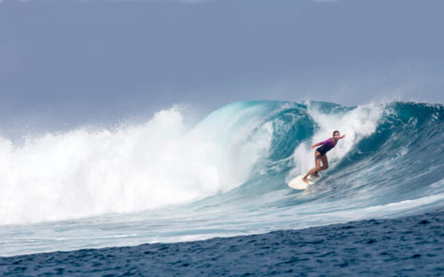 Autumn and winter activities in Cornwall - Surfing