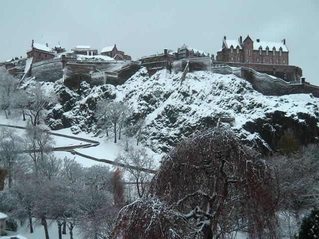 Snowy Edinburgh castle