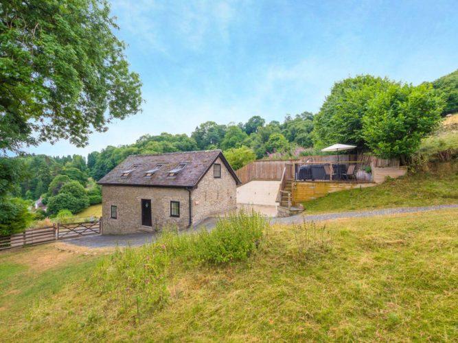 Bishop's Castle Barn