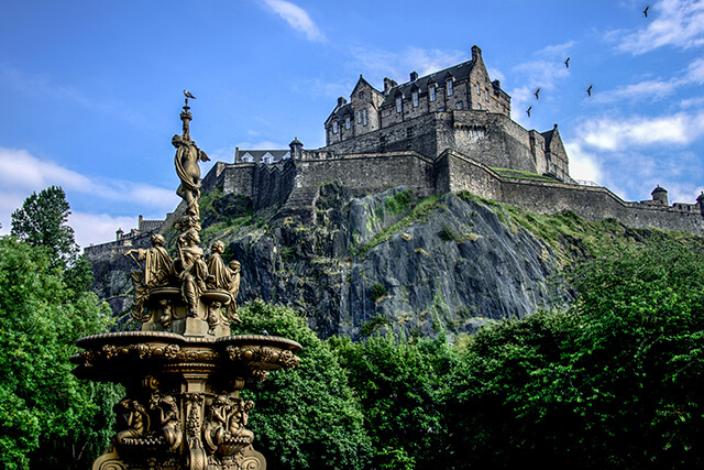 Edinburgh Castle & The Ross Fountain, Edinburgh, Lothian and Fife