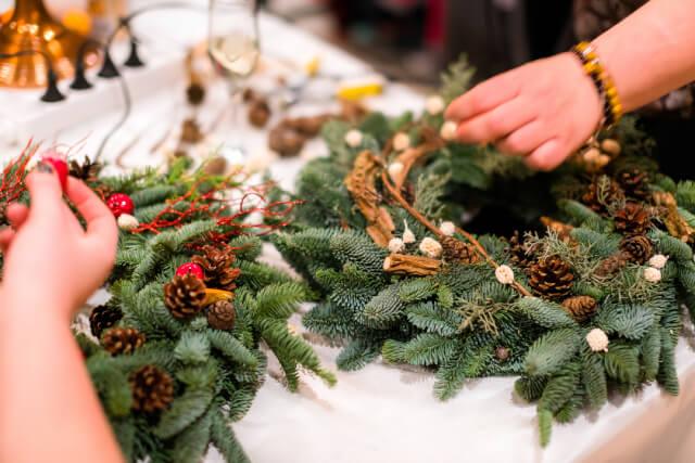 Christmas wreath weaving