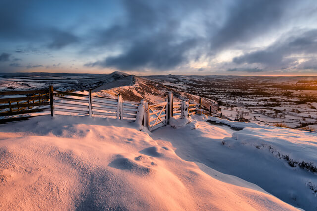 Snow at Mam Tor, Peak District
