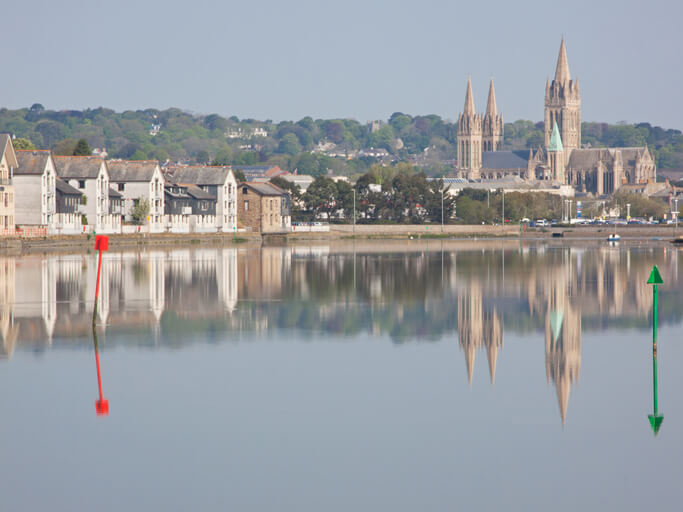 cathedral truro cornwall
