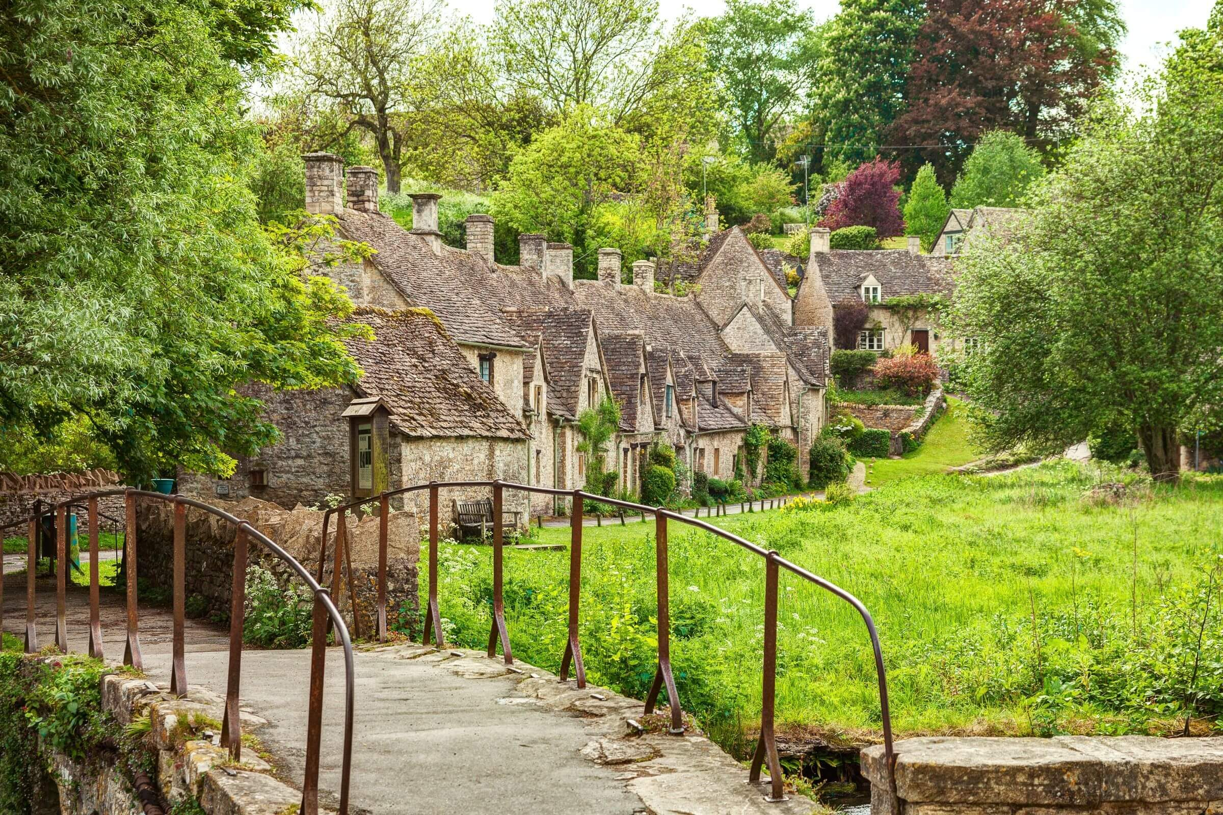 Bibury Travel Guide | Visitor Guide to Bibury | Sykes Cottages
