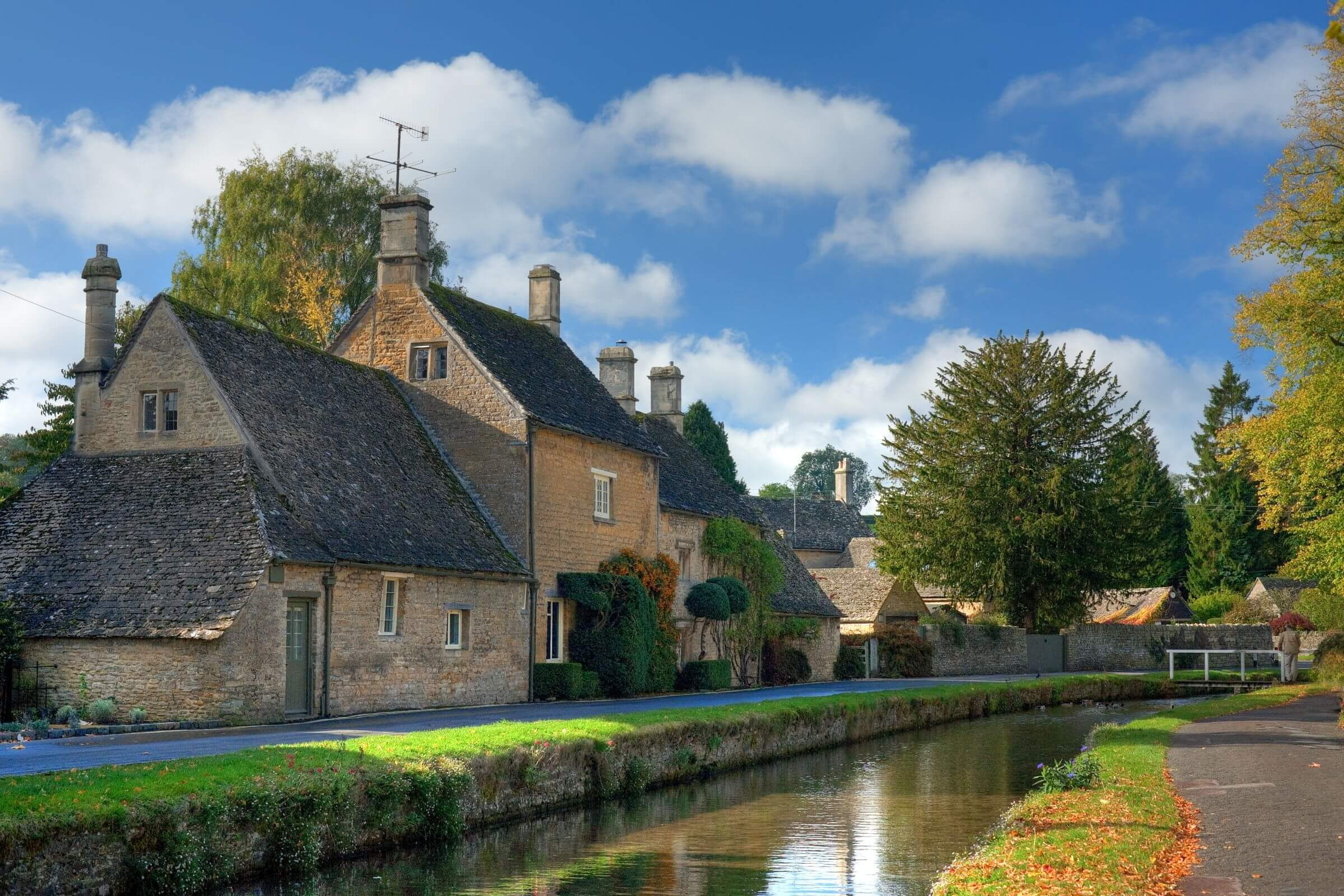 bourton on the water travel guide sykes holiday cottages. Black Bedroom Furniture Sets. Home Design Ideas