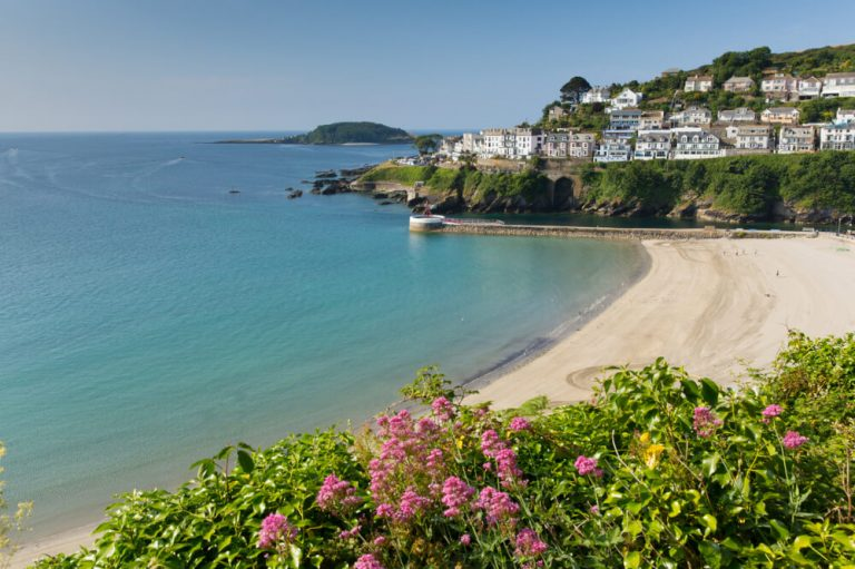 looe beach cornwall