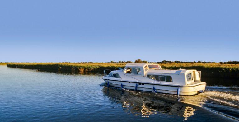 norfolk broads river boat