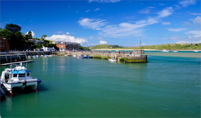 harbour in padstow cornwall