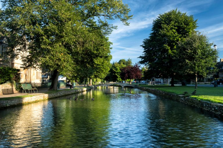 river windrush bourton on the water cotswolds