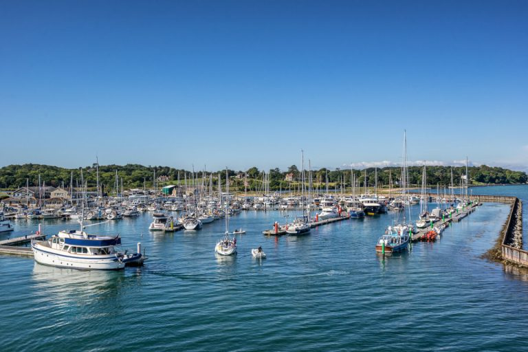 yarmouth harbour boats isle of wight