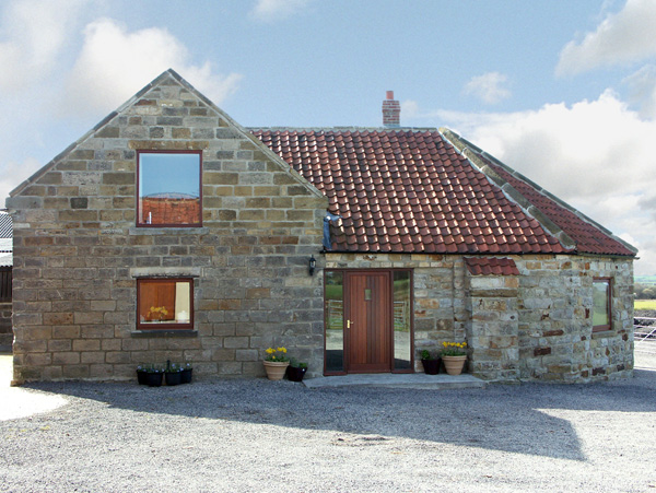 The Wheelhouse Pet-Friendly Cottage, Danby, North York Moors & Coast (Ref 1017)