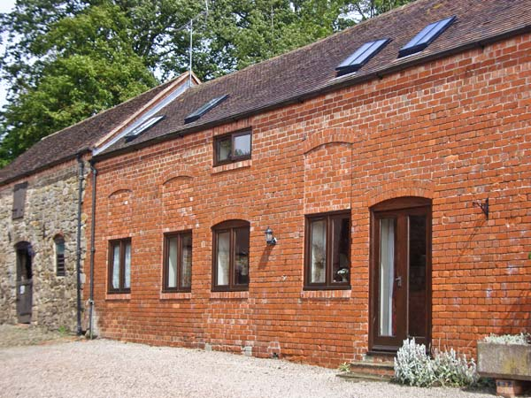 Corn House Pet-Friendly Cottage, Cardington Near Church Stretton, Heart Of England (Ref 1021)