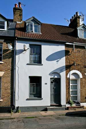 51 Sydenham Street Pet-Friendly Cottage, Whitstable, South Coast (Ref 10442)