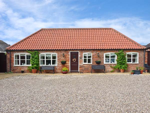 The Stables Pet-Friendly Cottage, Louth, East Anglia (Ref 11832)