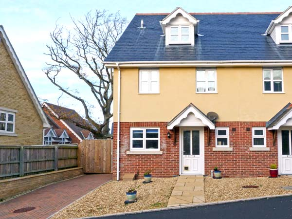 21 Millways Beach Cottage, Freshwater, Isle Of Wight, South Coast (Ref 11895)