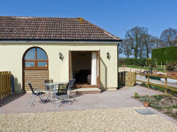 2 The Stables Pet-Friendly Cottage, Ryde, Isle Of Wight, South Coast (Ref 12934)
