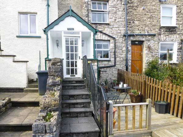 The Chimes Romantic Cottage, Kendal, Cumbria & The Lake District (Ref 13271)