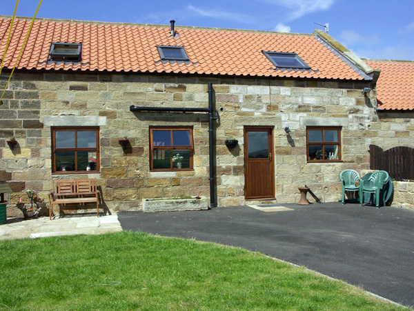Whalebone Cottage Pet-Friendly Cottage, Whitby, North York Moors & Coast (Ref 1465)