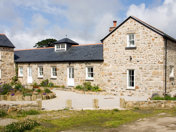 Tregotha Barn Pet-Friendly Cottage, Reawla, South West England (Ref 1481)