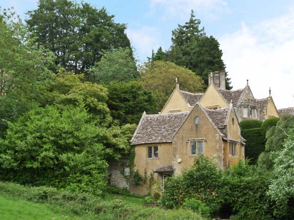Court House Family Cottage, Uley, Cotswolds (Ref 15795)