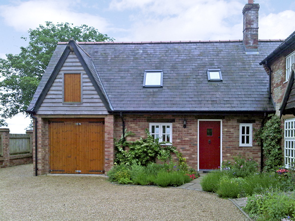 The Hayloft Pet-Friendly Cottage, Tolpuddle, South West England (Ref 1594)