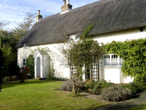 Herveys Cottage Coastal Cottage, Niton, Isle Of Wight, South Coast (Ref 1640)