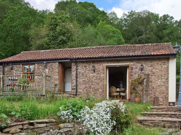 Nibletts Patch Cottage Pet-Friendly Cottage, Littledean, Cotswolds (Ref 16543)