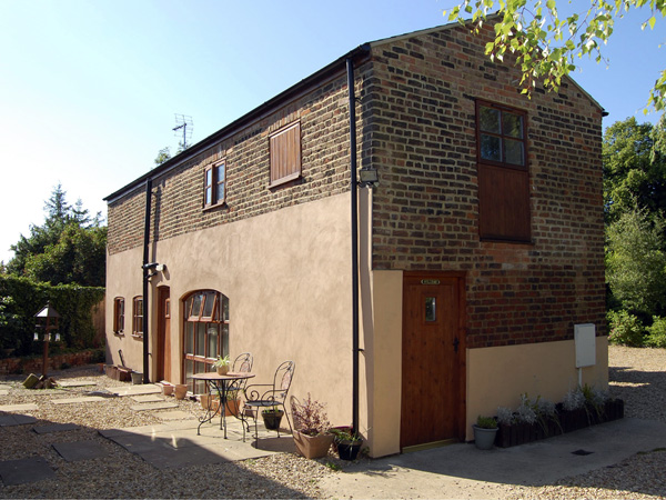 The Barn Pet-Friendly Cottage, Long Sutton, East Anglia (Ref 1665)