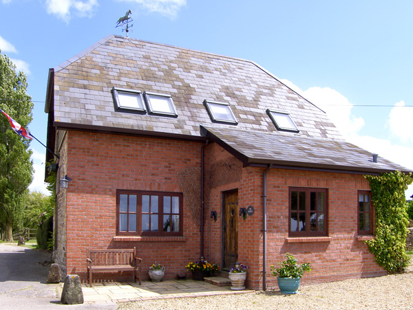 The Stables Pet-Friendly Cottage, Sturminster Newton, South West England (Ref 1854)