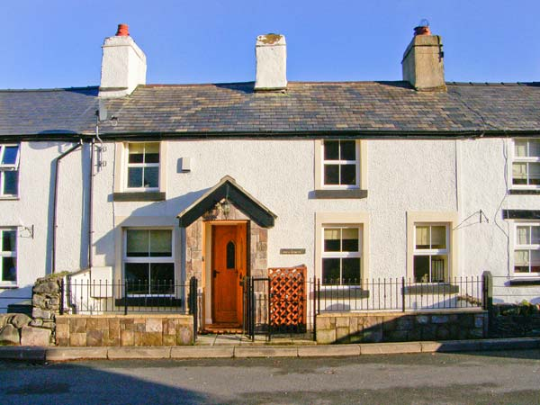 1 Bryn Derwen Terrace Family Cottage, Tal-Y-Bont, Conwy Valley, North Wales (Ref 19842)