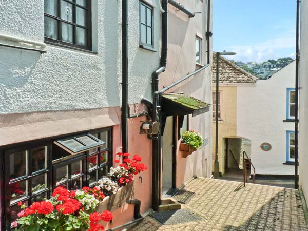 1 Higher Steps Pet-Friendly Cottage, Brixham, South West England (Ref 22114)