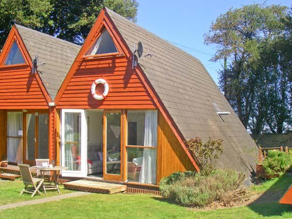 Beachmaster Beach Cottage, Kingsdown , South Coast (Ref 24653)