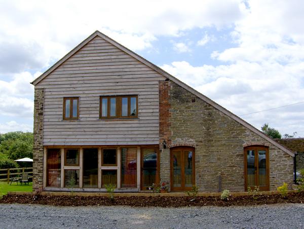 Glebe Barn Family Cottage, Caynham, Heart Of England (Ref 2540)