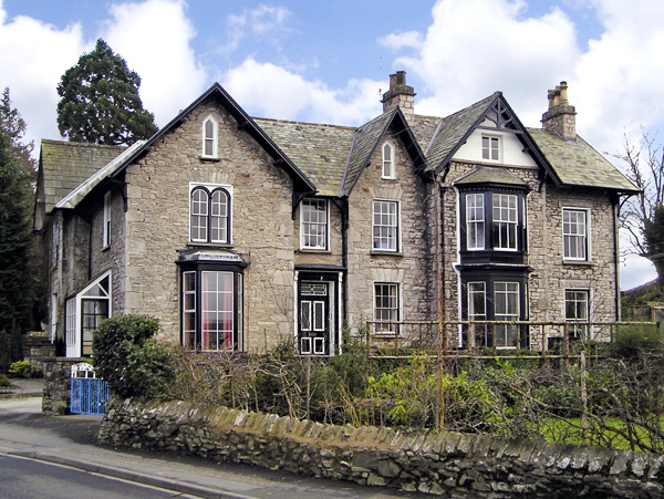 The Old Vicarage Romantic Cottage, Kendal, Cumbria & The Lake District (Ref 2657)