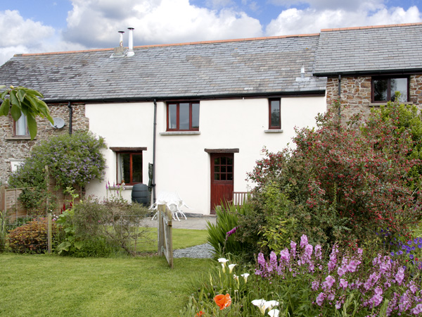 Wagtails Pet-Friendly Cottage, Winkleigh, South West England (Ref 2778)
