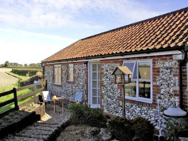 La Petite Maison Pet-Friendly Cottage, Litcham, East Anglia (Ref 2801)