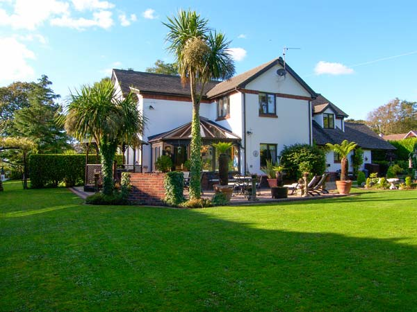 Domecilia Coastal Cottage, Cosheston, South Wales (Ref 2836)