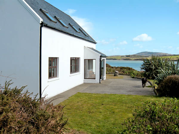 Down River House  Family Cottage, Skibbereen, County Cork, South West (Ref 2857)