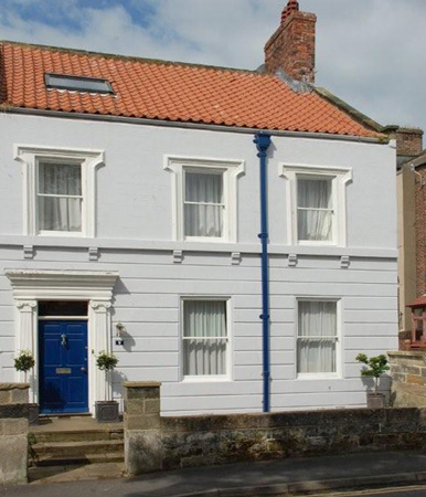 Roseberry House Beach Cottage, Whitby, North York Moors & Coast (Ref 3539)