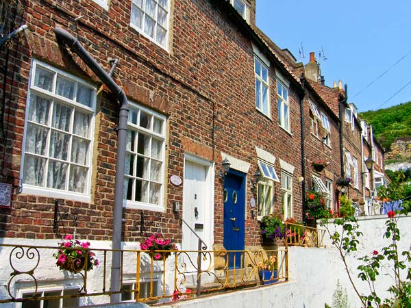 Lavender Cottage Pet-Friendly Cottage, Whitby, North York Moors & Coast (Ref 3614)