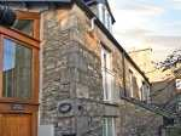Wood Cottage Romantic Cottage, Kendal, Cumbria & The Lake District (Ref 3640)