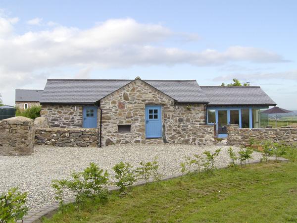 Bwthyn Gwyn Coastal Cottage, Penmynydd, North Wales (Ref 3876)