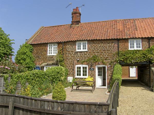 Kath's Cottage Beach Cottage, Heacham, East Anglia (Ref 4040)