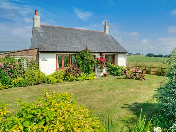 Barmoor Ridge Pet-Friendly Cottage, Lowick Near Holy Island, Northumberland (Ref 409)