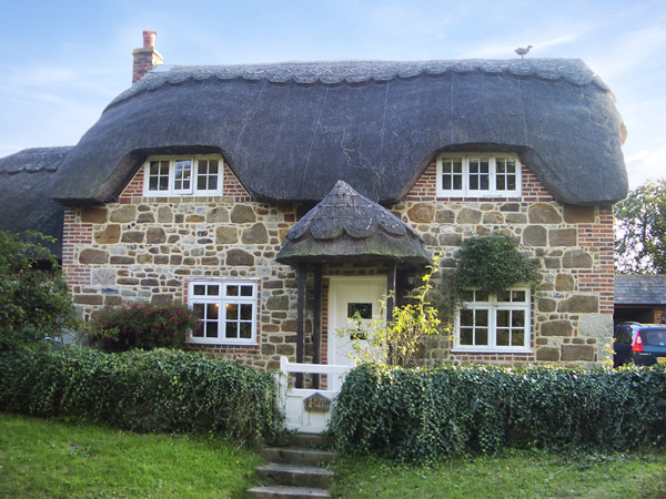Little Thatch Coastal Cottage, Shorwell, South Coast (Ref 4270)